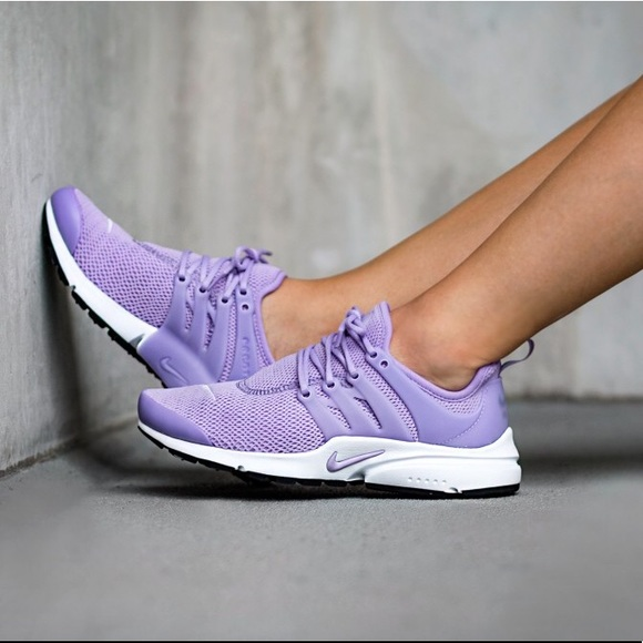 outlet store 57b9f 46de8 Nike Lilac Presto Sneakers NWT